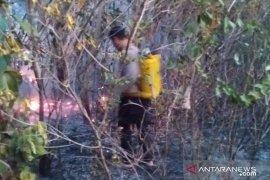 Cegah kebakaran, Polsek Mentok ajak warga bersihkan lingkungan