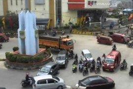 Untuk tata lalu lintas, tugu bundaran SGC Bekasi akan dibongkar