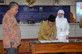 Gubernur dan bupati/walikota teken Mou dengan Dirjen Pajak disaksikan KPK