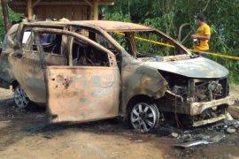 Dua jasad dalam minibus terbakar di Sukabumi diduga korban pembunuhan