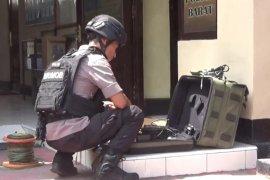 Gegana teliti dugaan bom rakitan  milik perampok toko emas