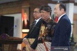 Menristekdikti kenalkan rektor asing pertama di Indonesia