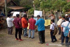 Warga di Aceh Utara blokir jalan bentuk protes ke pemerintah
