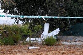 Helikopter pemadam kebakaran hutan jatuh, pilot tewas