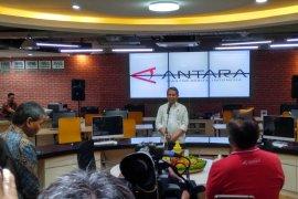 Menkominfo Rudiantara  resmikan layanan produk baru BrandA