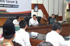 Pejabat Pemkot Kediri tanda tangani komitmen dukung gerakan kota pintar