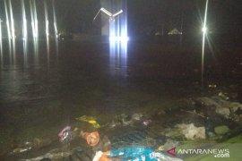 Drainase tak berfungsi, Aun-alun Cianjur tergenang banjir