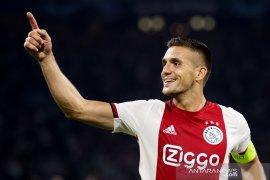 Ajax lolos ke fase grup Liga Champions berkat kemenangan atas APOEL