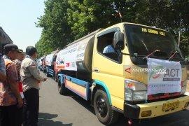 ACT Jember distribusikan air bersih di daerah kekeringan Tapal Kuda