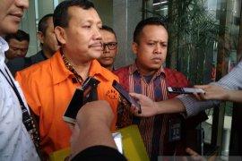 Sekda Jawa Barat Iwa Karniwa ditahan KPK