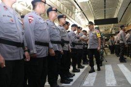 Polda Kalbar berangkatkan sebanyak 250 personel Brimob ke Jayapura