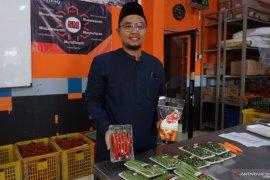 Pondok pesantren Al Ittifaq di Bandung layani pesanan sayuran secara daring