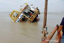 Kapal Isap Produksi milik PT Timah terbalik di Perairan Babel