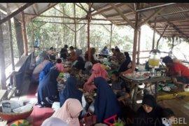 Antara TV - SMN Sulawesi Tenggara Makan Nasi Bedulang Khas Belitung Timur