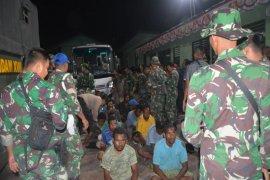 Papua Terkini -298 pendemo dipulangkan gunakan kendaraan militer