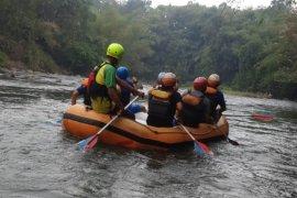 Pemerintah desa di Garut kembangkan wisata arung jeram