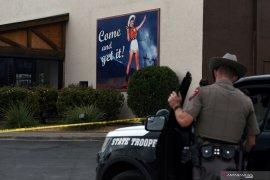Merespon permintaan pertolongan,  dua polisi Texas tewas ditembak
