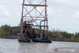 Satpol PP Belitung Timur tertibkan aktivitas tambang bijih timah ilegal