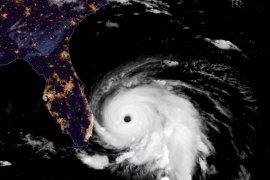 Badai Dorian landa Bahama, lima orang tewas