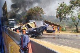 Kecalakaan beruntun di Tol Cipularang KM 91, enam tewas