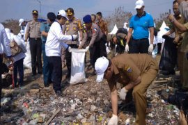 Kota Cirebon akan buat Perda pembatasan kantong plastik