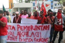 Papua Terkini - Puluhan mahasiswa Sorong tuntut jaringan internet normal