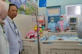 Kondisi semakin membaik, bayi Azila dipindah dari ICU