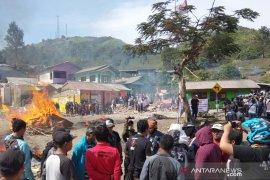 Satpol PP tetap bongkar 30 bangunan di Puncak Bogor