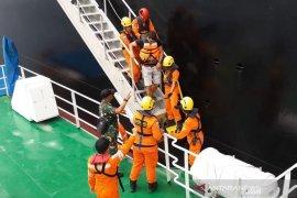 Tim SAR evakuasi warga Kroasia dari kapal  tanker