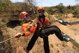 Pelatihan penanganan bencana ketinggian dan perairan