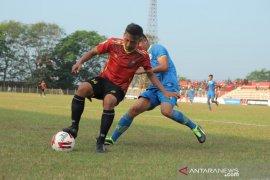 Sepak Bola - Liga 2, Persibat Batang taklukan Blitar Bandung United 2-1