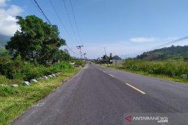 """Jalan """"mulus"""" di Samosir beri kenyamanan pengunjung berlibur"""
