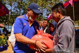 Pemkab Bone Bolango bantu 10 ton beras ke petani karena puso