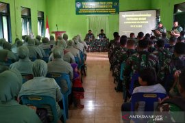 Prajurit Kodim Aceh Jaya dapat penyuluhan hukum tentang UU ITE