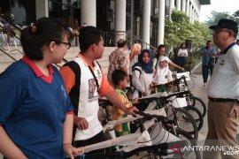 Gubernur Kalbar-KONI bagikan bantuan untuk atlet dan pelatih