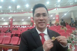 Anggota DPRD Sulut dari PSI kembalikan Pin Emas