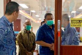 SBY jenguk BJ Habibie