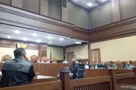 Kivlan Zen didakwa siapkan Rp 25 juta memata-matai Wiranto dan Luhut