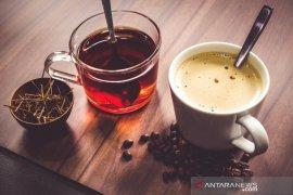 Minum teh terlalu panas dapat tingkatkan risiko kanker