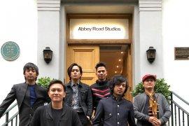 D'MASIV rencana rilis double album rekaman Abbey Road