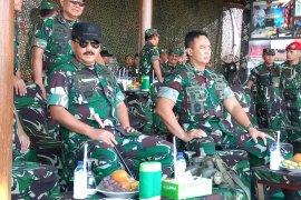 "Panglima TNI tinjau persiapan ""Fire Power Demo"" di Situbondo"