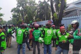 Driver ojol Kota Medan gelar aksi solidaritas bela NKRI