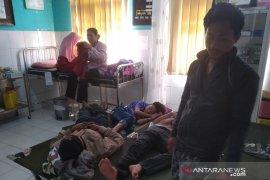 Keracunan dialami puluhan warga Kampung Pangkalan Sukabumi usai santap nasi uduk