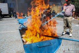 Bea Cukai Juanda musnahkan barang-barang hasil tegahan
