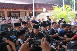 SBY dan keluarga melayat ke rumah duka BJ Habibie