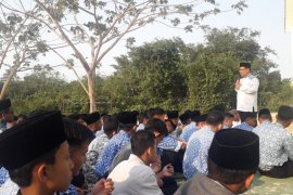 BJ Habibie Wafat - MAN IC Bangka Belitung selenggarakan sholat ghaib