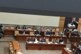 Komisi III DPR pilih lima capim KPK, Pamolango lolos