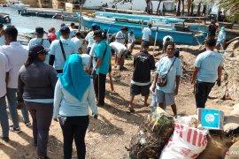 Bersih laut dan pantai digelar Perhubungan Sorong