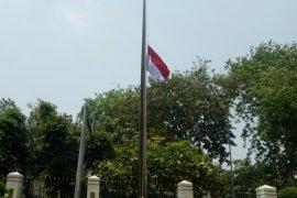 Habibie wafat, instansi pemerintah kibarkan bendera setengah tiang