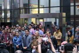 Komisioner KPK Saut Situmorang: revisi UU KPK sebaiknya oleh anggota DPR baru